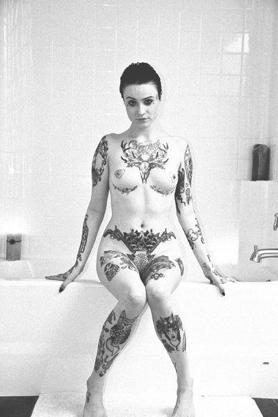 Tu mujer esperandote cerca de la banyera