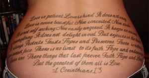 los-peores-tatuajes-de-lumbares18