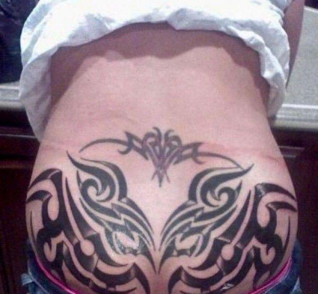 los-peores-tatuajes-de-lumbares25