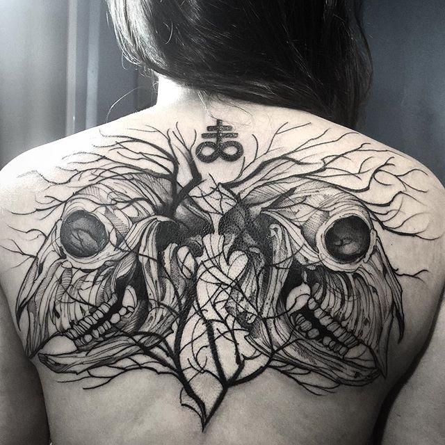 Tatuaje en la espalda por Fredao Oliveira
