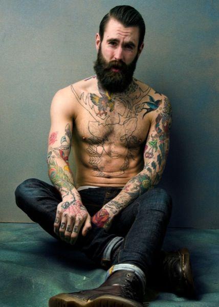 Tatuaje de hombre al estilo tradicional