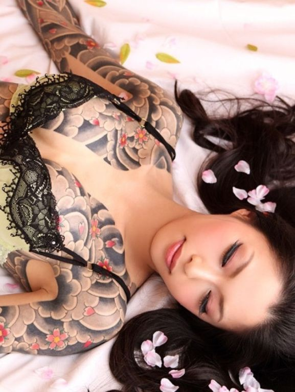 mujeres-con-tatuajes-1