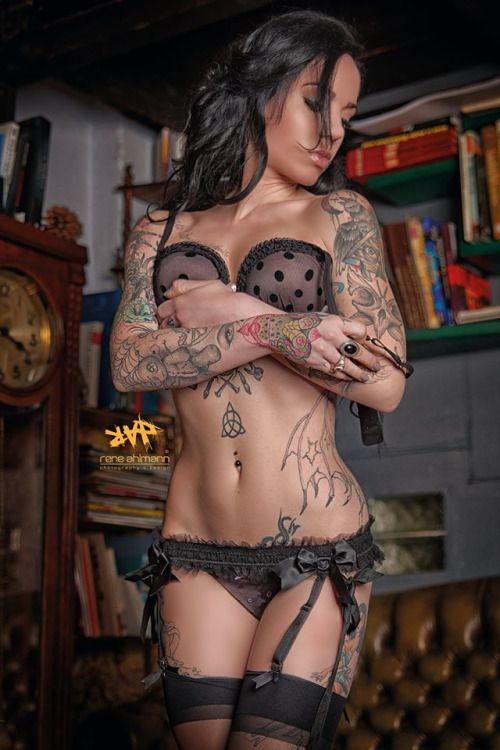 Las 30 chicas tatuadas más sexy de 2015 43