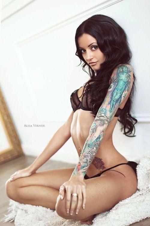 Las 30 chicas tatuadas más sexy de 2015 61