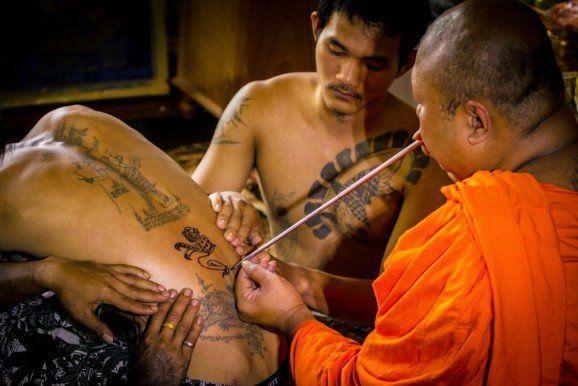 Tatuaje tradicional tailandes