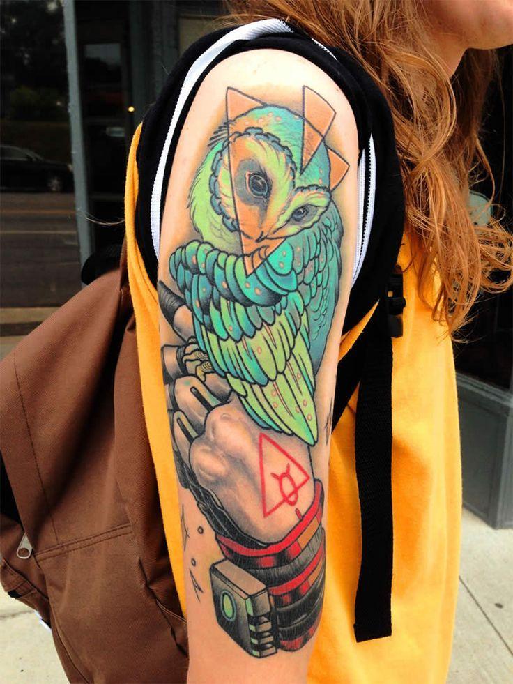 Tatuaje abstracto de buho
