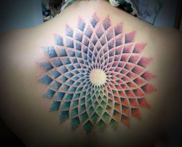 Tatuaje de mandalas colorido