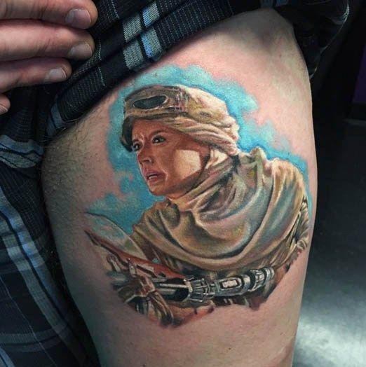 tatuaje de Rey por Josh Bodwell