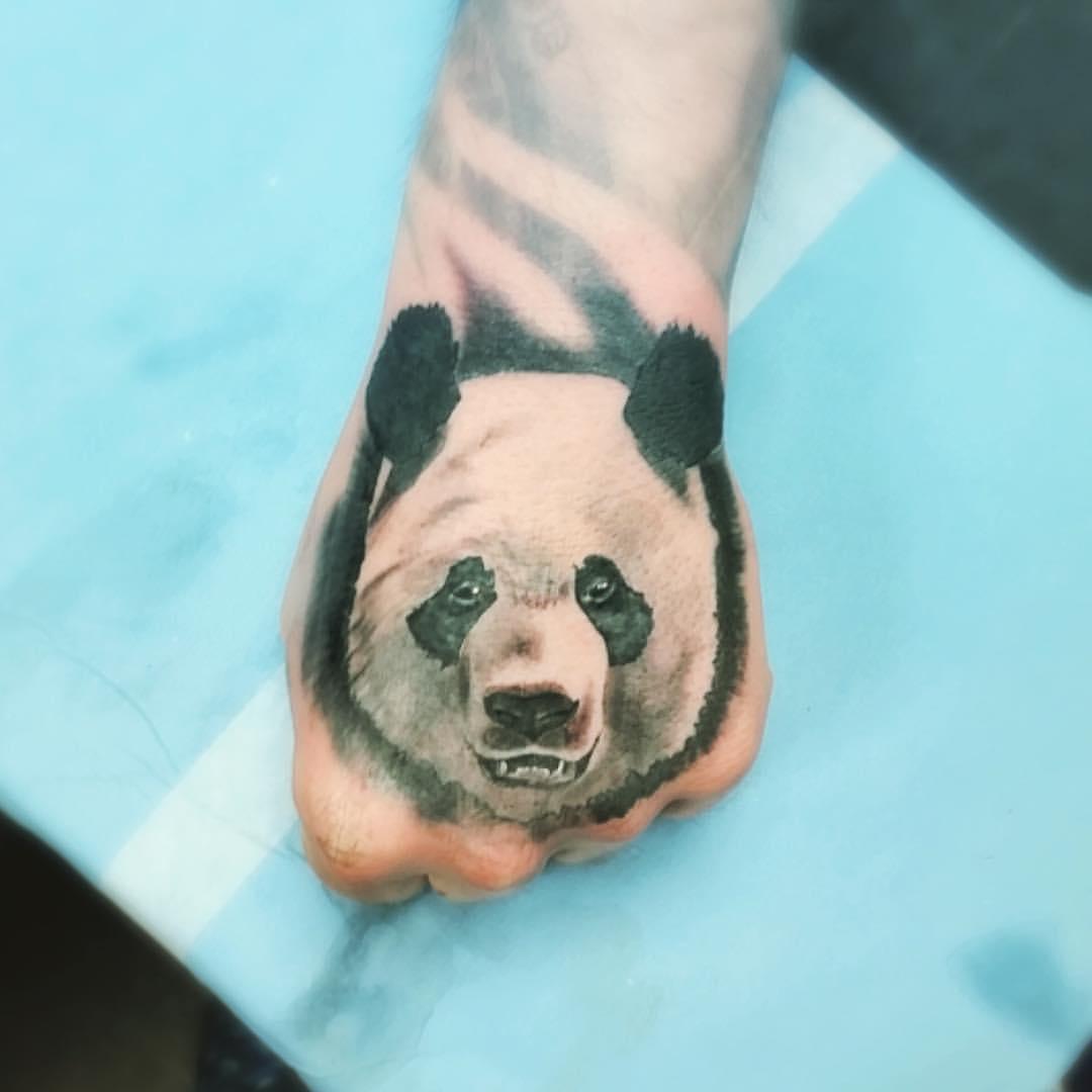 Tatuaje de un oso panda