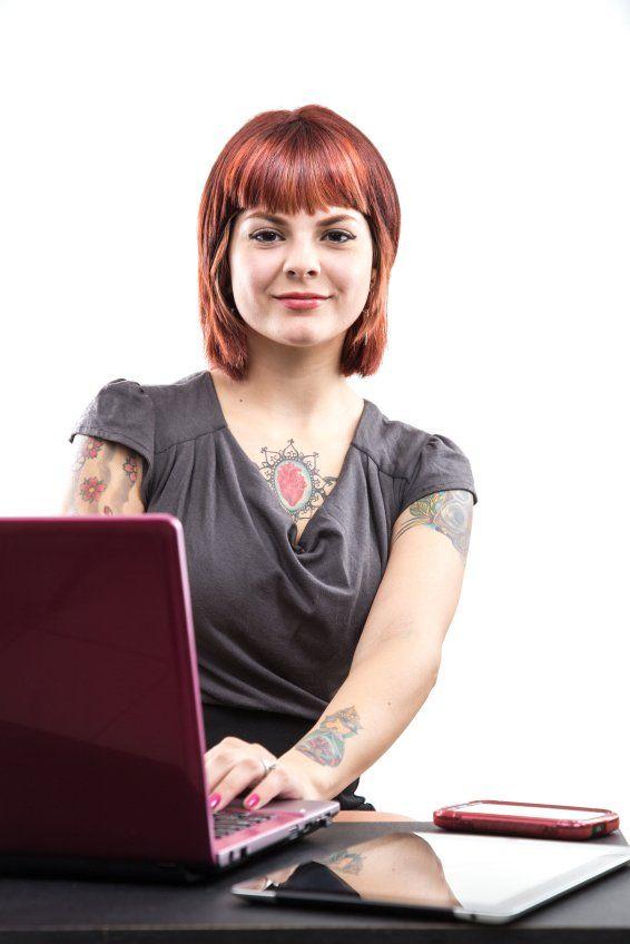 mujer-con-tatuajes-08