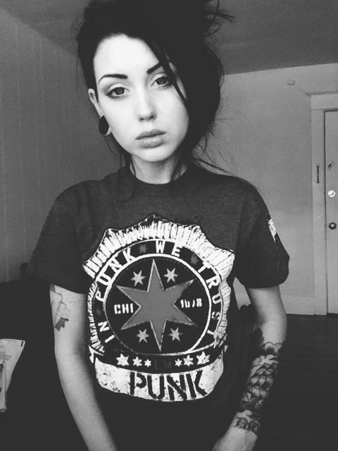 mujer-con-tatuajes-15