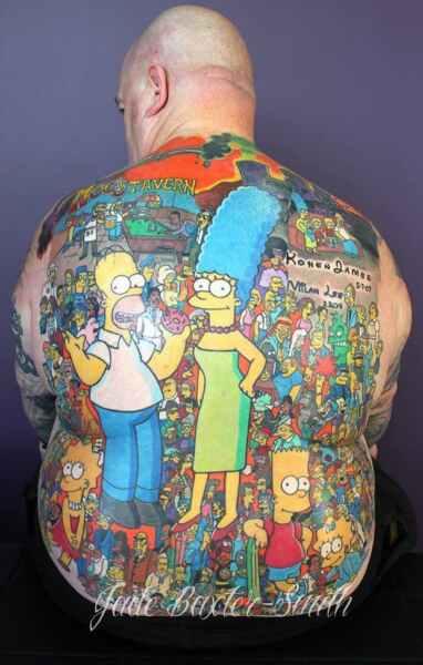Tatuaje record de los simpsons, más de 200 en toda la espalda! 4