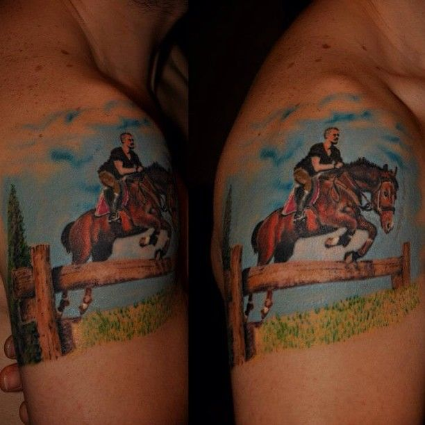 Tatuaje de caballo Por Fatih Serdaroglu.