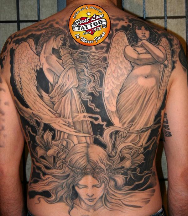Tatuajes de angeles en la espalda
