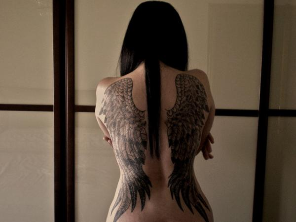 Alas de angel en la espalda