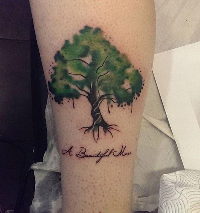 Tatuaje de arbol en acuarela