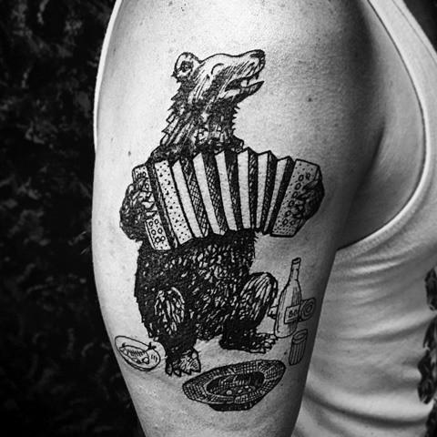 Tatuaje en negro por Fraktal
