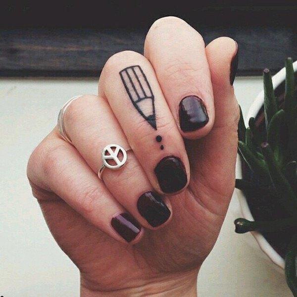 tatuajes en los dedos m225s de 300 ideas de tatuajes de dedos