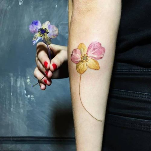 Tatuajes de plantas y flores: ¡plasma la primavera en tu piel! 13