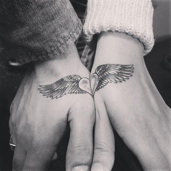 tatuajes para dos en la mano