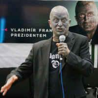 Vladimir Franz: un político con el 90% del cuerpo tatuado. 5
