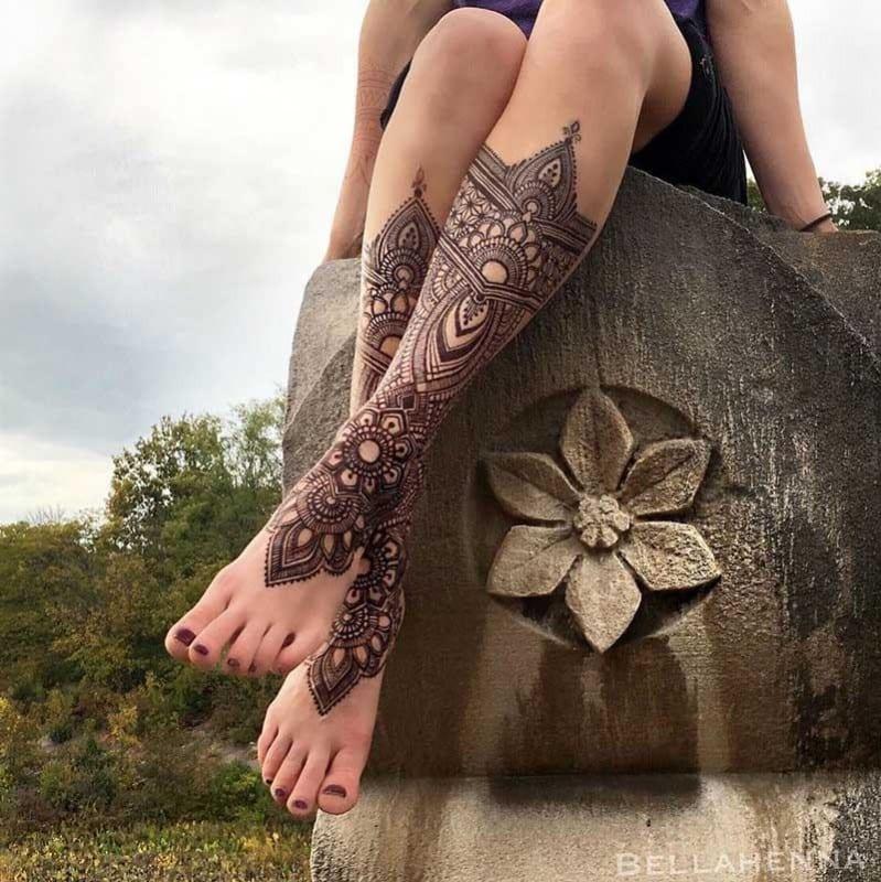 Tatuajes temporales de henna.